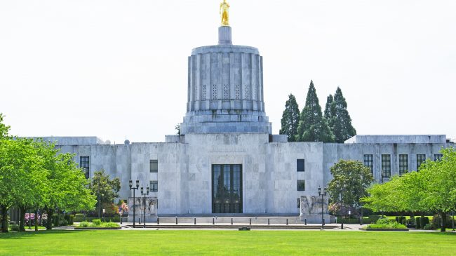 Oregon Privatization Report Offers Bold Solutions to Pension Crisis
