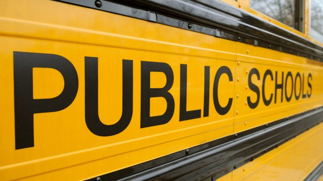 Deal or No Deal? The Effects of Deregulation on Public School Leaders' Support for Private School Choice in California